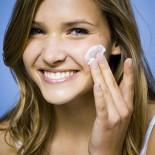 Kvalitetna zaštita lica uz dnevnu kremu Proli